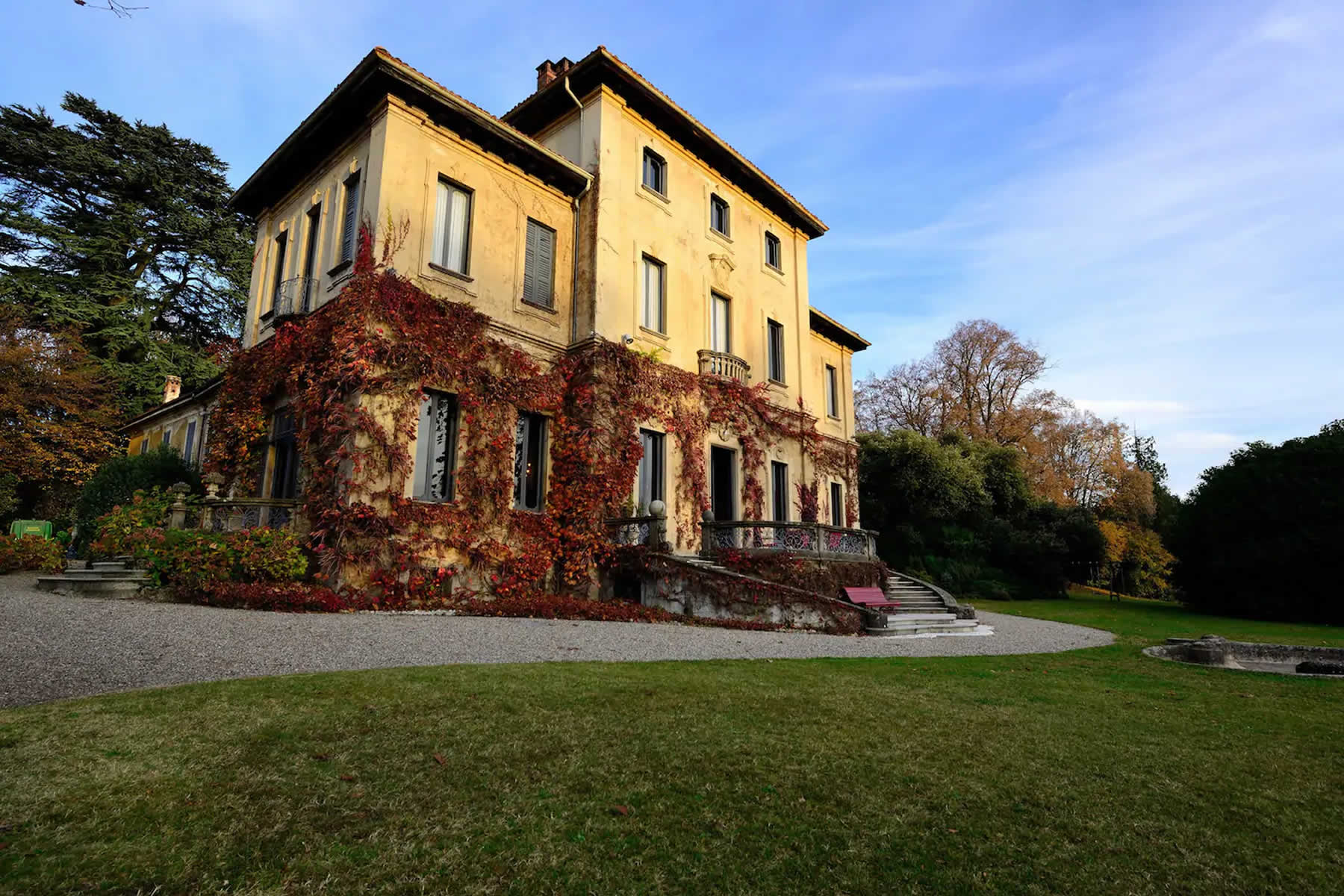 Dimora storica a Varese   Ritiri Yoga